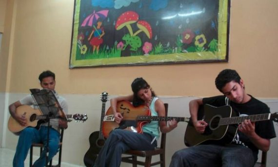 Guitar classes in Baner Pune, Best Music Teacher, Institute Near by me